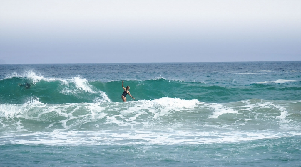 Surf and Yoga Waves